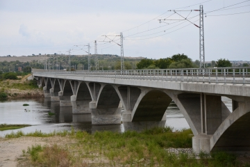 Изграждане на ЖП линия – мост над река Марица