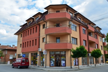 Изграждане на сграда с офис и жилищна част
